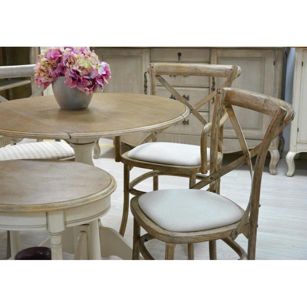 klasikinio dizaino kėdė, balta, su paminkštinimu