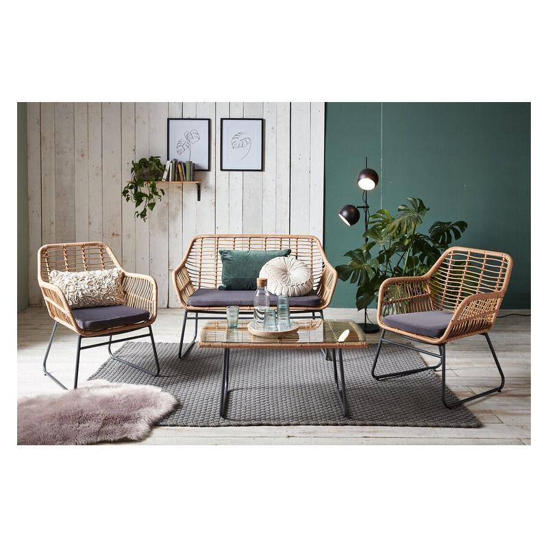 lauko baldų komplektas iš dviejų kėdžių, sofos ir staliuko, šviesiai rudos spalvos, pintas