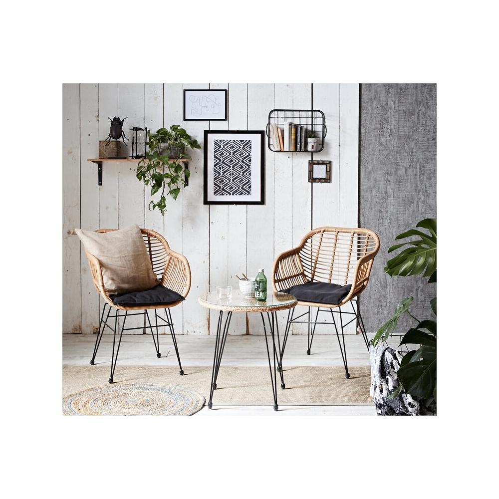 lauko baldų komplektas iš dviejų kėdžiųstaliuko, šviesiai rudos spalvos, pintas