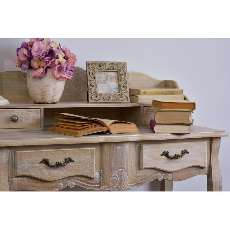 sendinto stiliaus Kosmetinis staliukas, šviesiai rudos spalvos, medžio spalvos