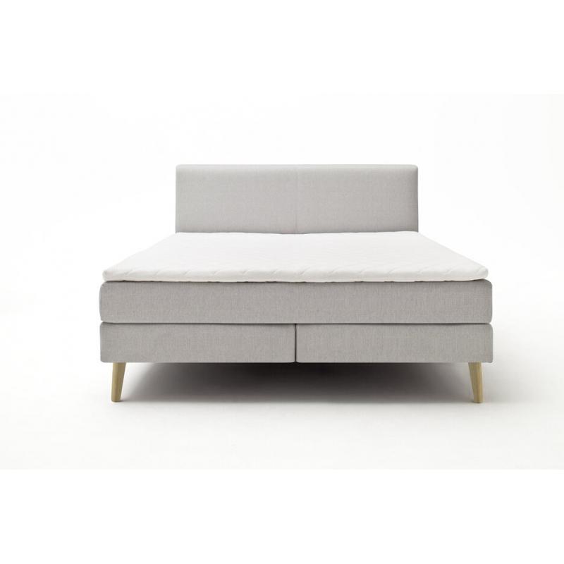 dvivietė lova, skandinaviško stiliaus, ąžuolinėmis kojelėmis