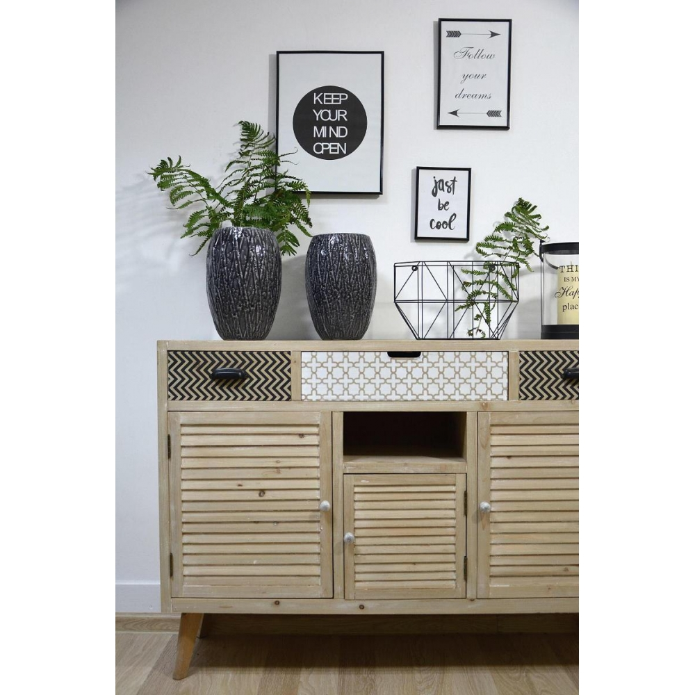 originalaus dizaino komoda, medinė, šviesiai rudos spalvos