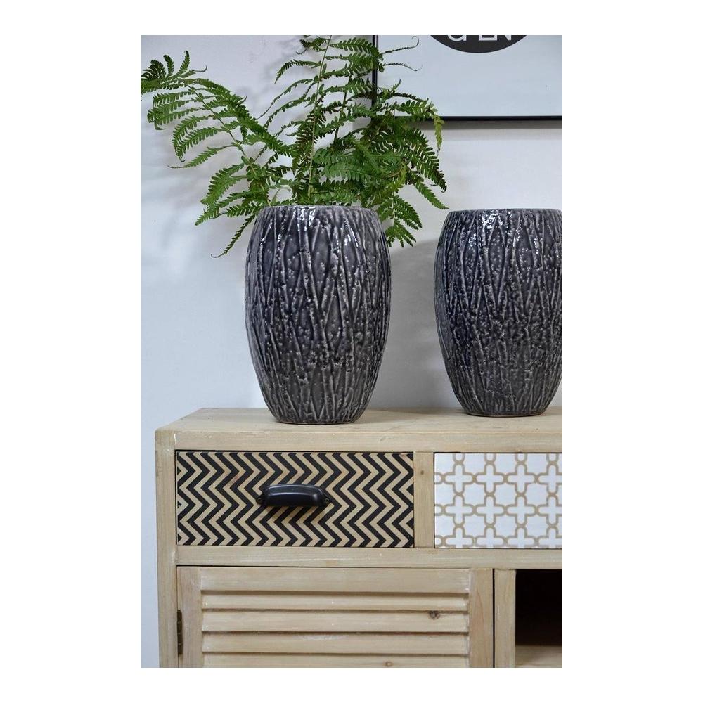 sendinto dizaino komoda, dviem stalčiais, metalinėmis kojelėmis