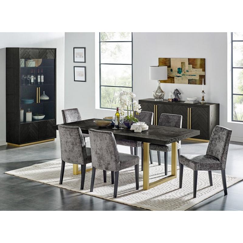 spintelė su juodu reljefiniu fasadu, su aukso spalvos kojelėmis ir stiklinėmis durelėmis bei stalčiais