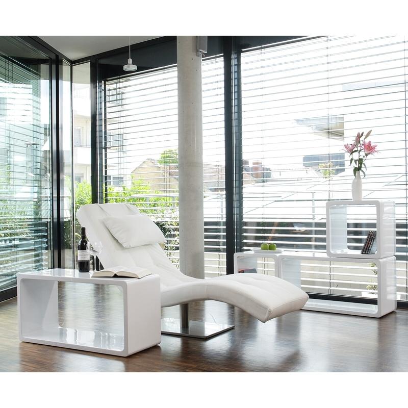 prabangaus dizaino fotelis, minkštas, elegantiškas