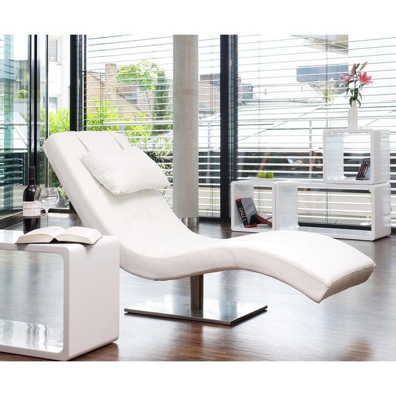 futuristinis fotelis, baltas, su pagalvėle ir nerūdijančio plieno koja