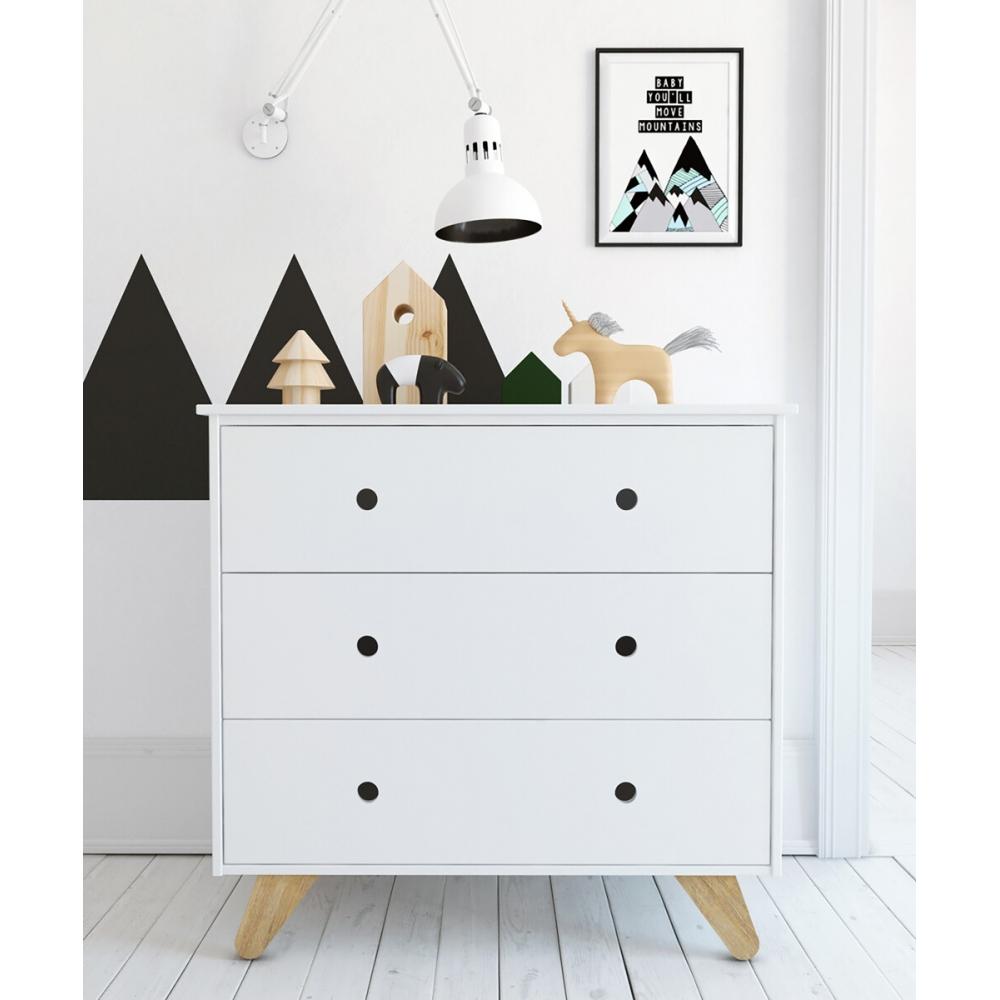 Baltos spalvos komoda, balta, minimalistinė