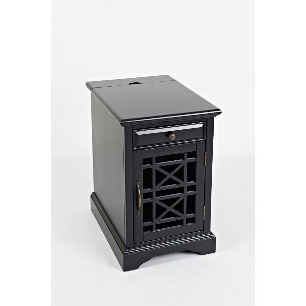 antique black spalvos naktinis staliukas, su įstiklintomis ažūrinėmis durimis ir elektros bei USB jungtimis stalviršyje