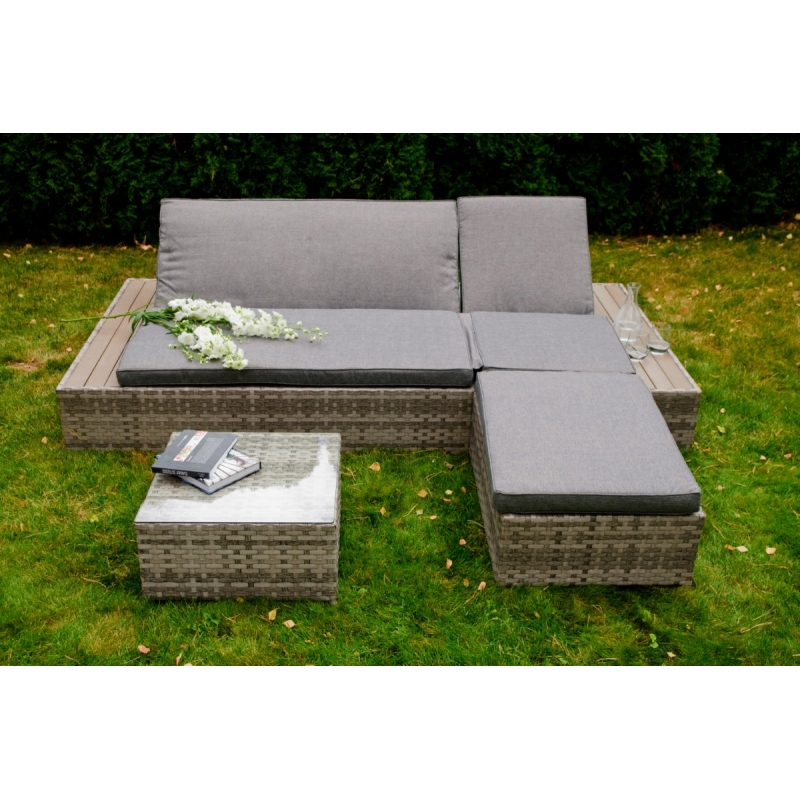 modernaus dizaino lauko lova su staliuku ir pufu, tamisiai rudos spalvos, minkšta