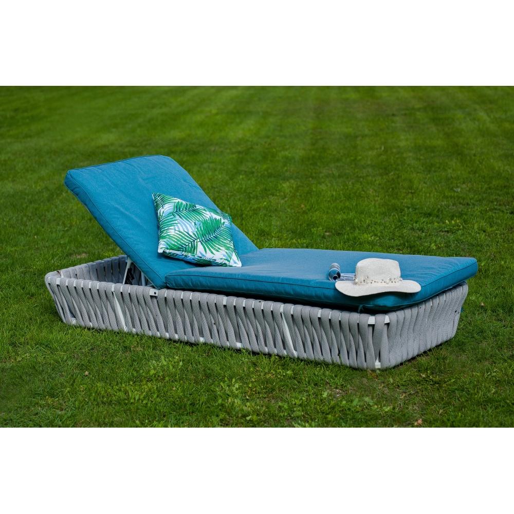 futuristinio dizaino lauko lova, minimalistinė, mėlyna, medinė