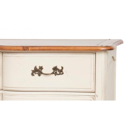keturių stalčių komoda, su dvejomis durelėmis, baltos spalvos
