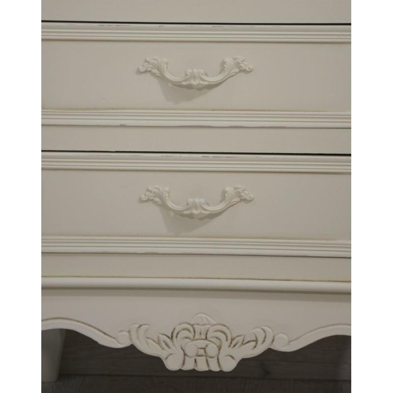 senovinio dizaino naktinis stalas, medinis, baltas